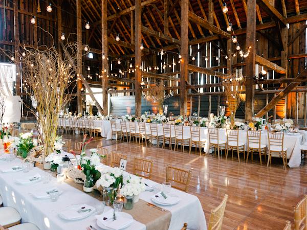 Stunning Interior For A Barnyard Wedding Truly Clic