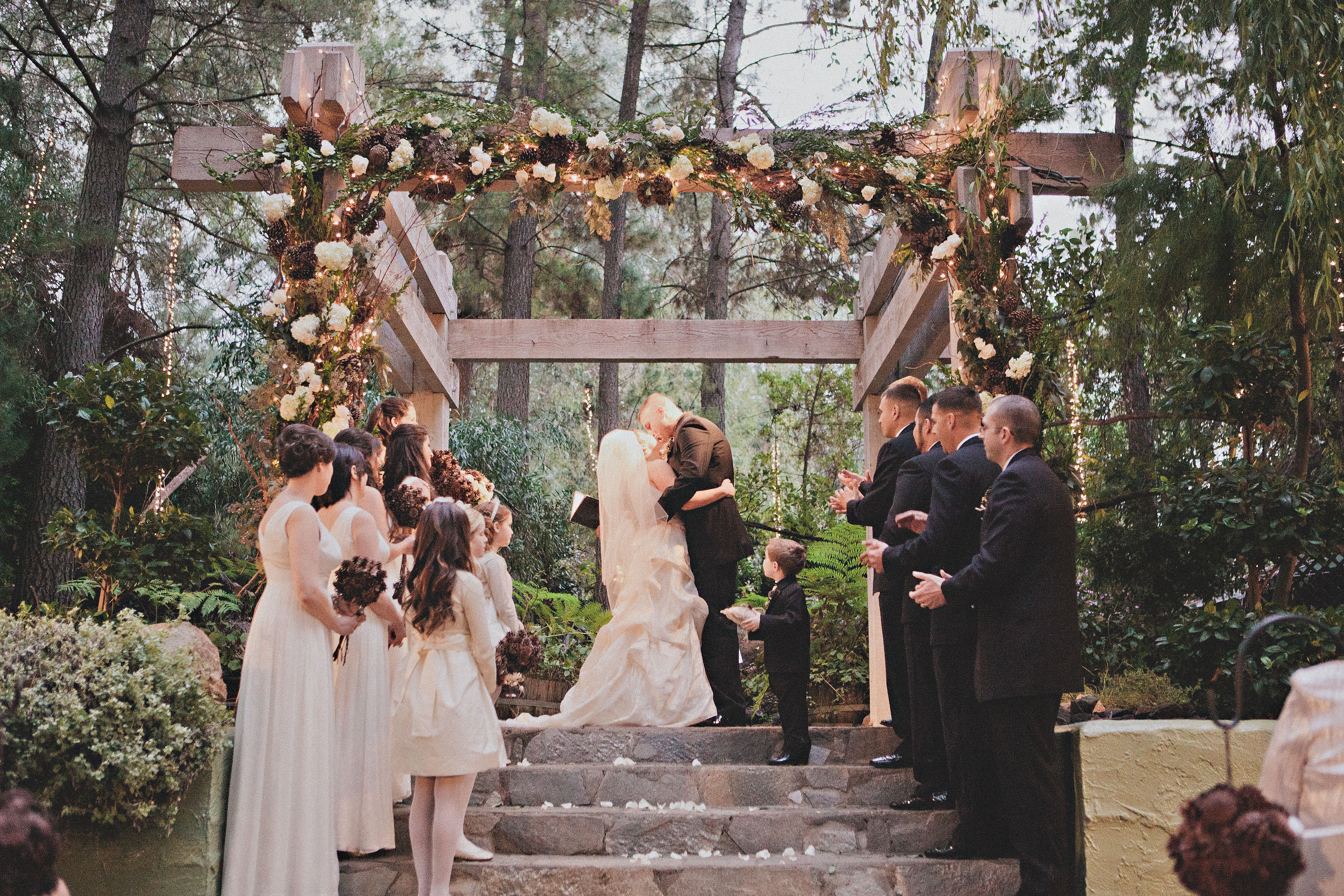 Inspiration Outoor Ceremonies: Southern California Pine Cone Wedding