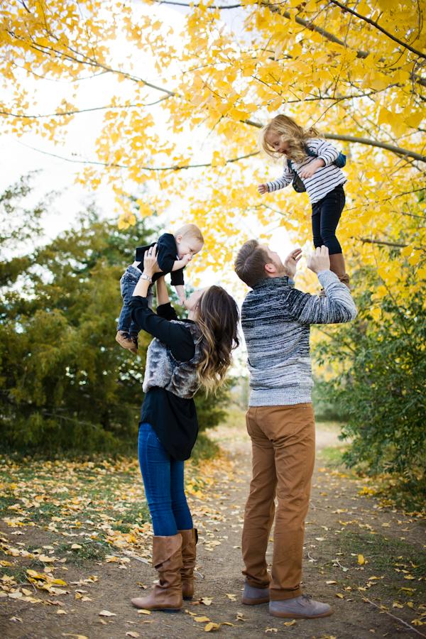 Outdoor Family Photo Shoot Ideas Fall Colorado F...