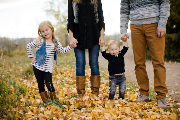 fall colorado family photo session inspired by this. Black Bedroom Furniture Sets. Home Design Ideas