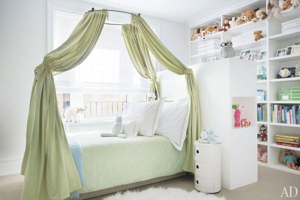 item12.rendition.slideshowWideHorizontal.david-mann-nussbaum-new-york-apartment-12-child-bedroom