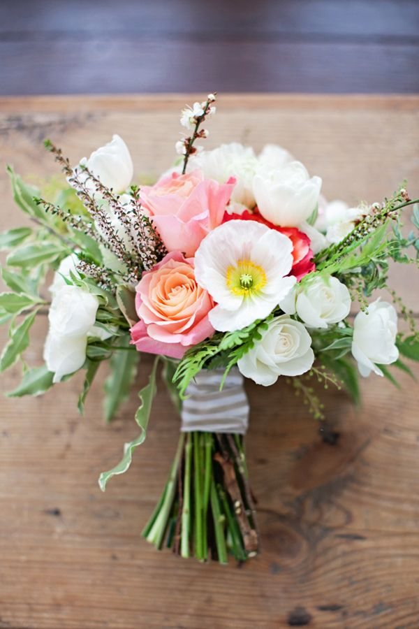 simple wedding bouquets inspired by this simple winter wedding shoot by 7498