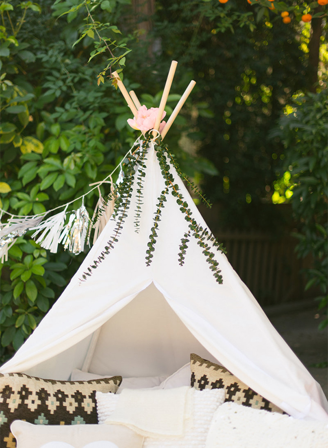 A Backyard Teepee Birthday Photo Shoot Inspired By This